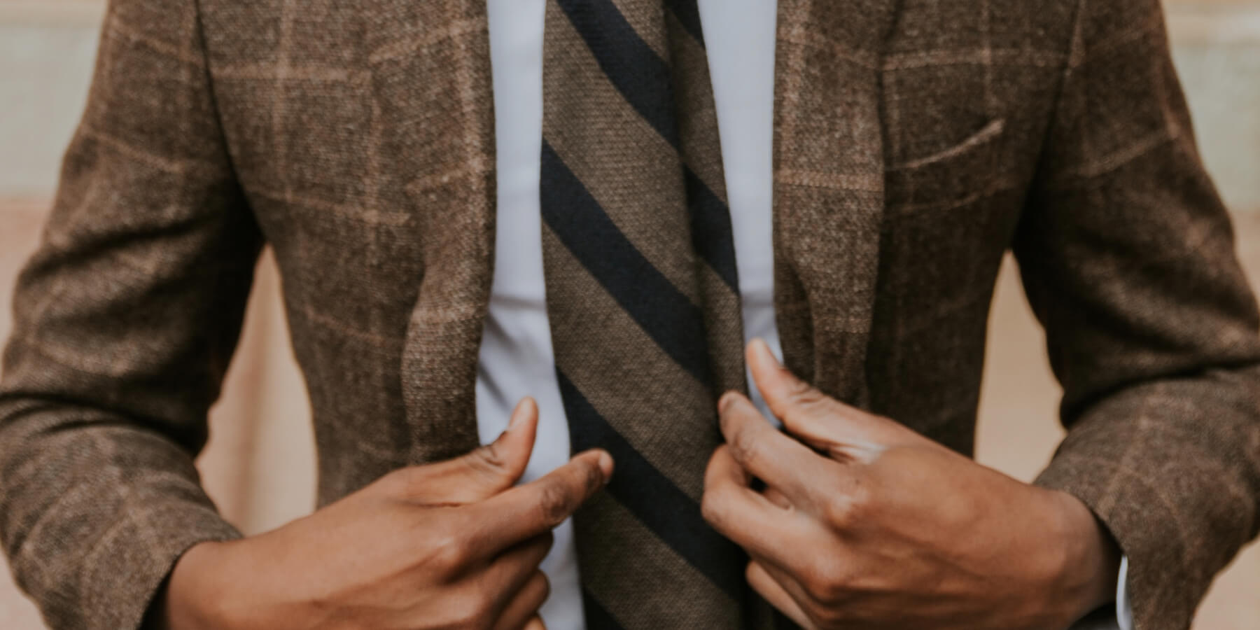 3 Ideas on How You Can Wear Your Tweed Blazer