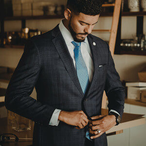 3 Reasons Why You Should Get Your Next Suit Made by a Tailor - What to Know-featured